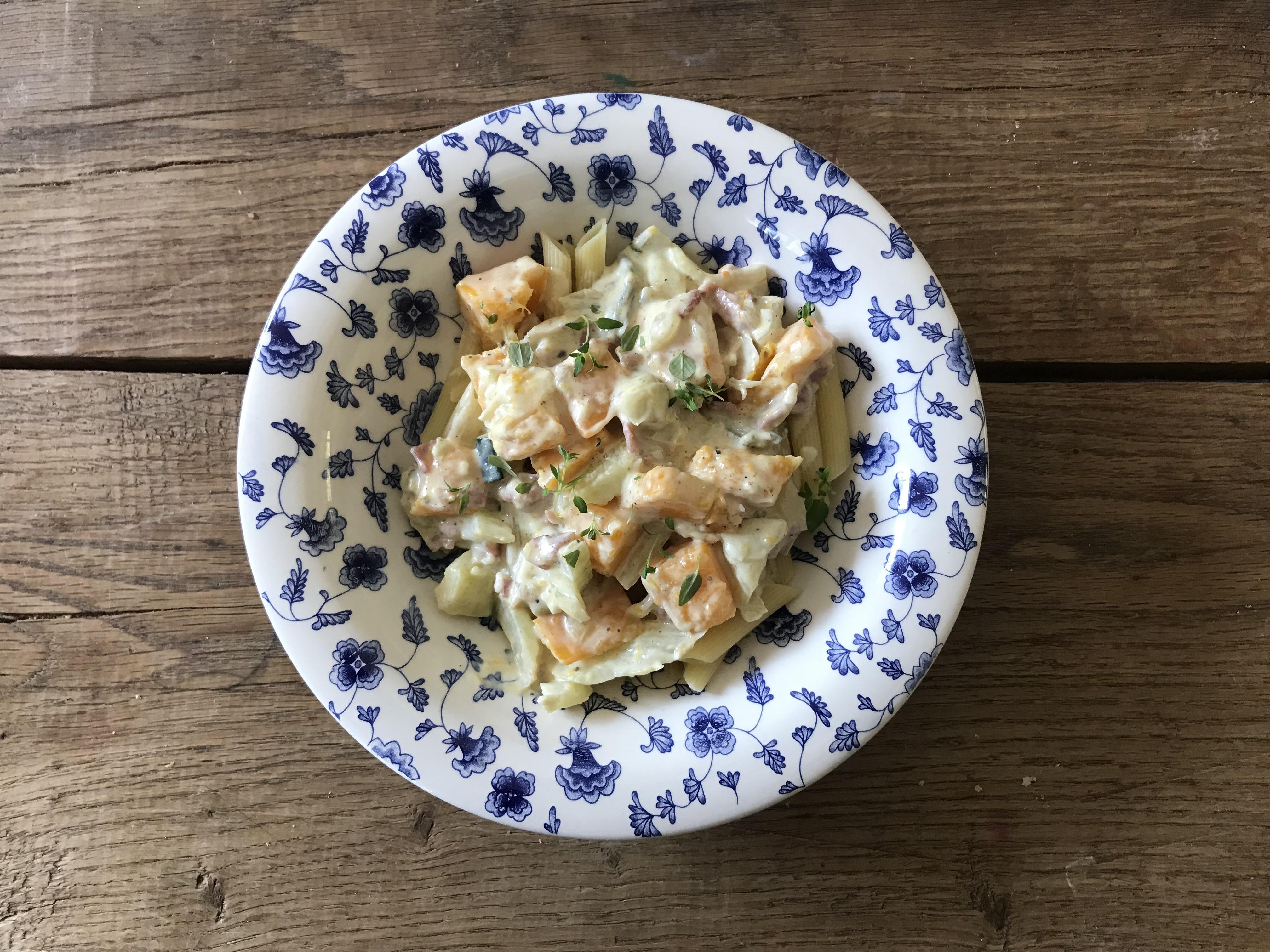 pasta pompoen, courgette en blue d'auvergne